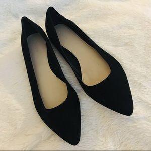 NWOT Black Pointed Toe Forever 21 Flats